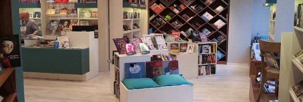 Diseño de espacios comerciales – SBS Libreria Internacional – BM Arquitectura